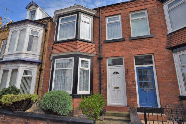 4 Bedrooms Town House for sale in Langdale Road, Scarborough, North Yorkshire YO12 7RA