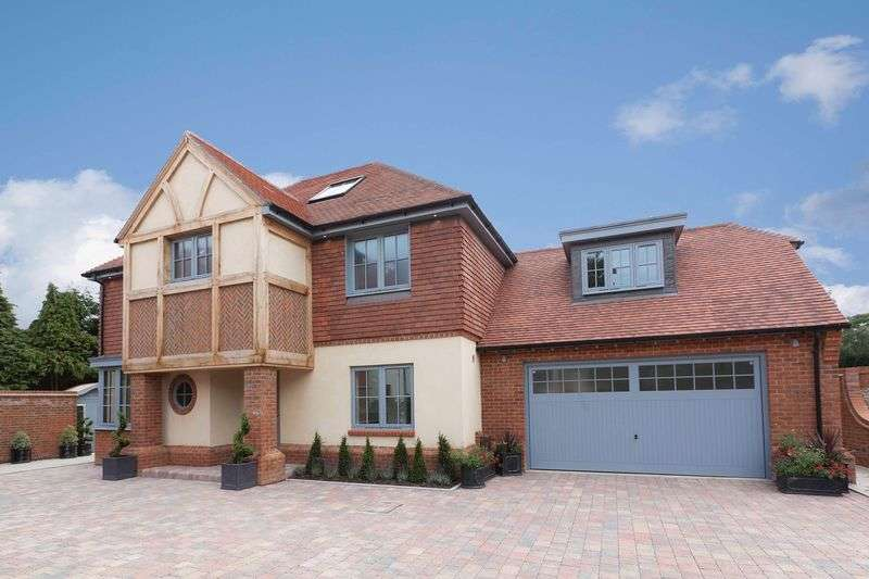 4 Bedrooms Detached House for sale in Salterns Reach , Emsworth