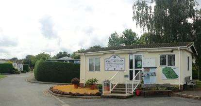 2 Bedrooms Mobile Home for sale in Orchard Park, Orchard Park Lane, Elton, Cheshire, CH2
