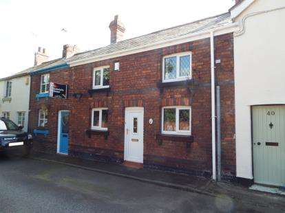 Terraced House for sale in Top Road, Frodsham, Cheshire, WA6