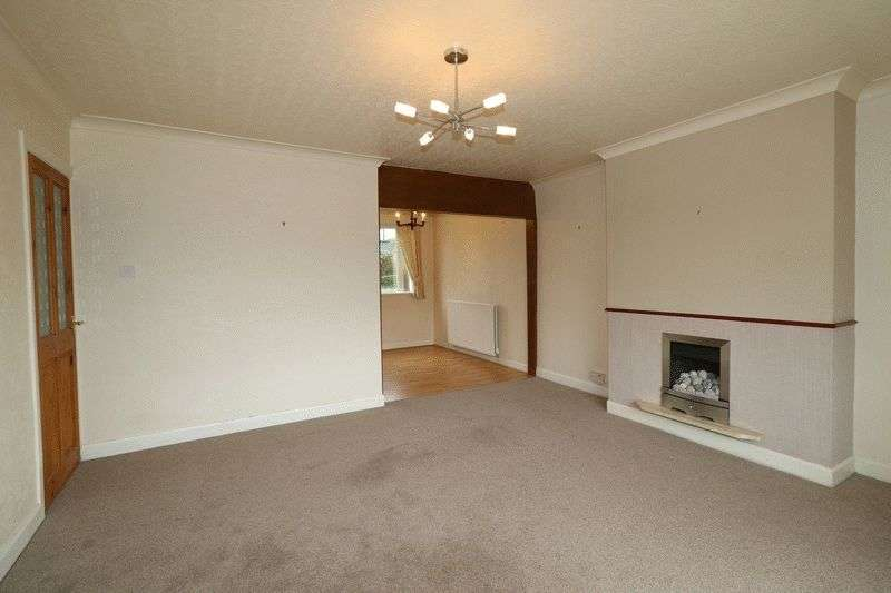 3 Bedrooms Semi Detached House for sale in Thwaites Road, Oswaldtwistle, BB5 4QT.