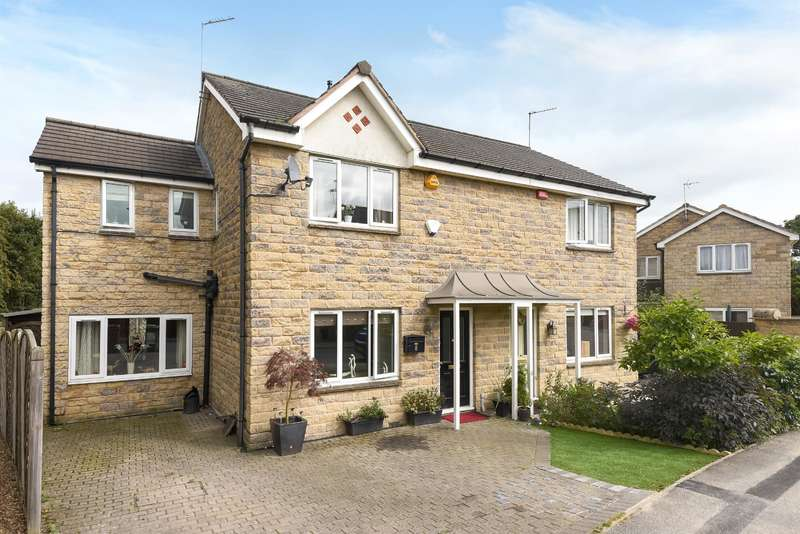 3 Bedrooms Semi Detached House for sale in Crofters Lea, Yeadon, Leeds, LS19 7WE