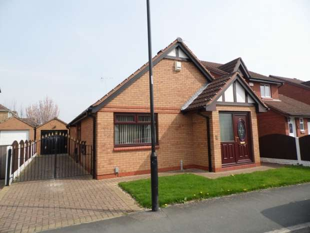 2 Bedrooms Detached Bungalow for sale in MALVERN AVENUE CUSWORTH DONCASTER