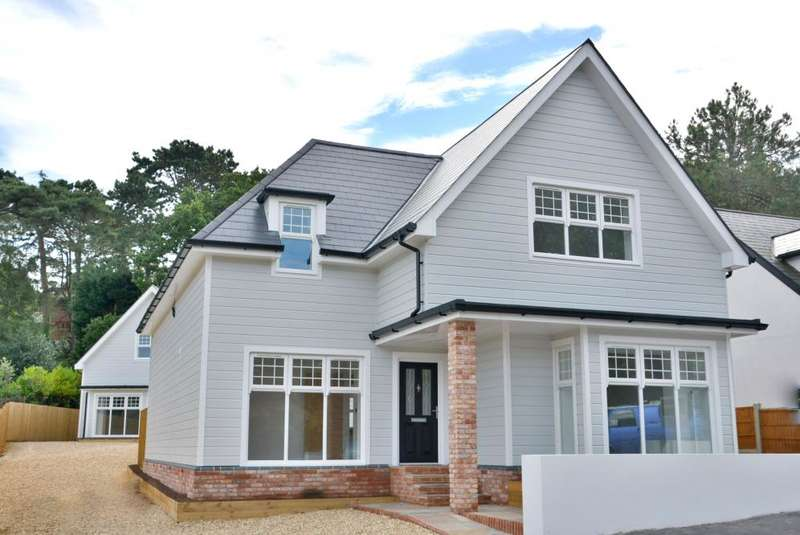 4 Bedrooms Detached House for sale in Lilliput, Poole, Dorset