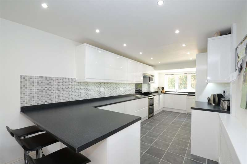 4 Bedrooms Mews House for sale in Warren Way, Weybridge, Surrey, KT13