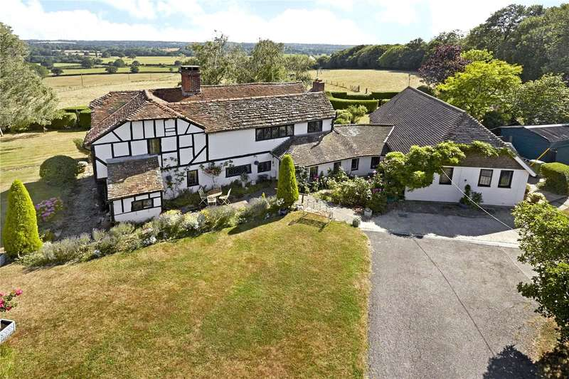5 Bedrooms Detached House for sale in Waterlands Lane, Rowhook, West Sussex, RH12