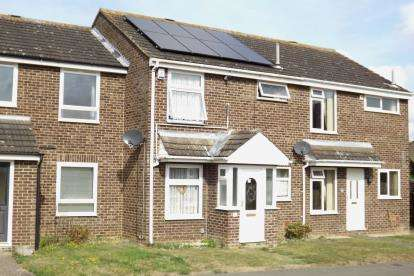 3 Bedrooms Terraced House for sale in Arnhem Close, Eaton Ford, St. Neots, Cambridgeshire