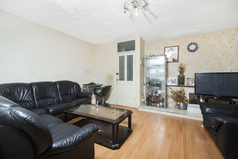 4 Bedrooms Terraced House for sale in Portbury Close, London SE15 5JF