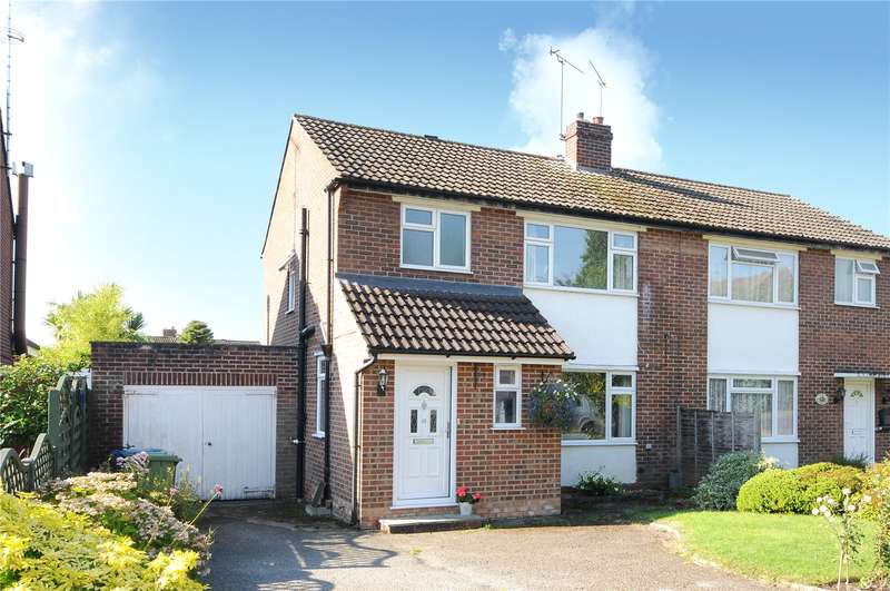3 Bedrooms Semi Detached House for sale in Nightingale Gardens, Sandhurst, Berkshire, GU47