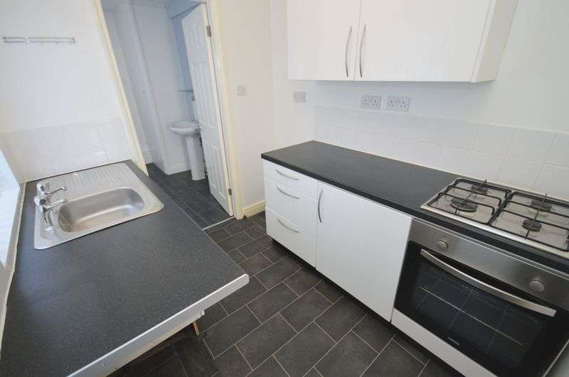 2 Bedrooms Terraced House for sale in Milton Road, Widnes