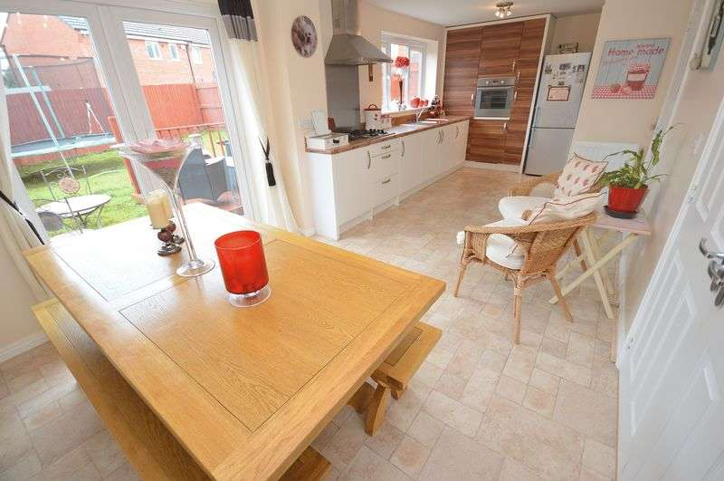 4 Bedrooms Detached House for sale in Shackleton Avenue, Widnes