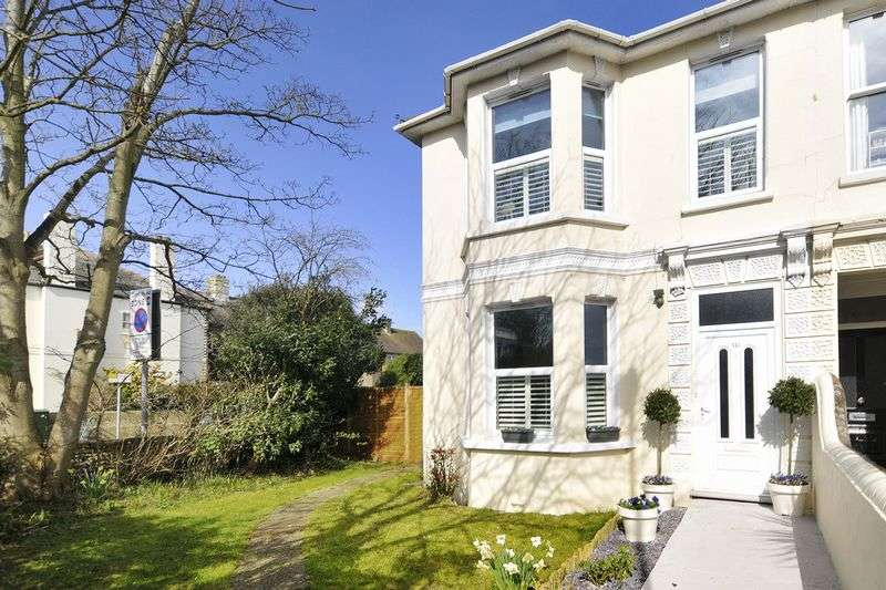 4 Bedrooms Semi Detached House for sale in Lyndhurst Road, Worthing