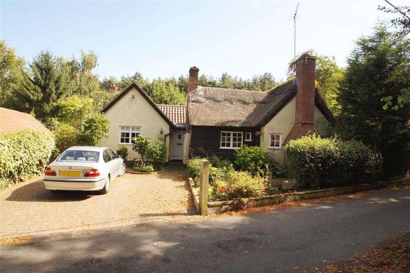 2 Bedrooms Cottage House for sale in Faith Cottage, Monks Lane, Dedham, Colchester
