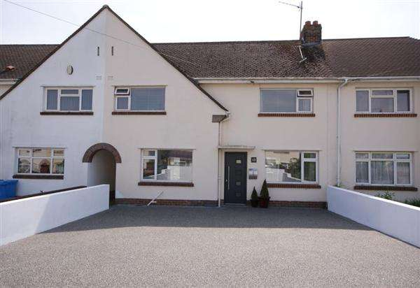 3 Bedrooms Terraced House for sale in Hamilton Road, Poole