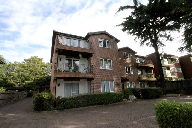3 Bedrooms Flat for sale in Albemarle Road, Beckenham