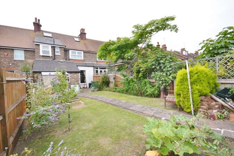 3 Bedrooms House for sale in Brassey Avenue, Hampden Park, Eastbourne, BN22