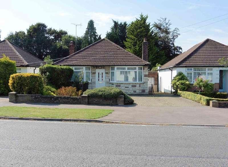 2 Bedrooms Detached Bungalow for sale in Alva Way, Watford