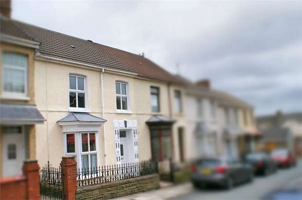 3 Bedrooms Terraced House for sale in Gilbert Road, Llanelli, Carmarthenshire