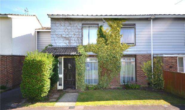 4 Bedrooms Terraced House for sale in Warwick Road, Basingstoke, Hampshire