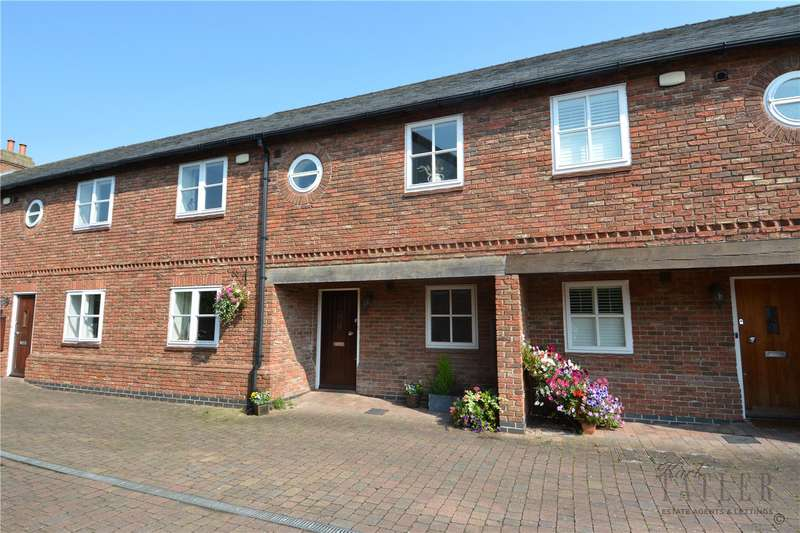 3 Bedrooms Terraced House for sale in The Courtyard, Willaston, Neston