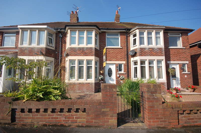 3 Bedrooms Terraced House for sale in Knutsford Road, Blackpool