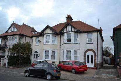 4 Bedrooms Semi Detached House for sale in Clacton-on-Sea, Essex