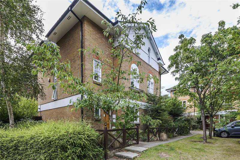 4 Bedrooms House for sale in St. Joseph's Vale, London, SE3