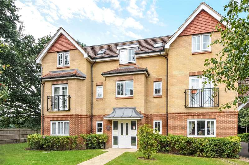 2 Bedrooms Apartment Flat for sale in St. Dominic Close, Farnborough, Hampshire, GU14