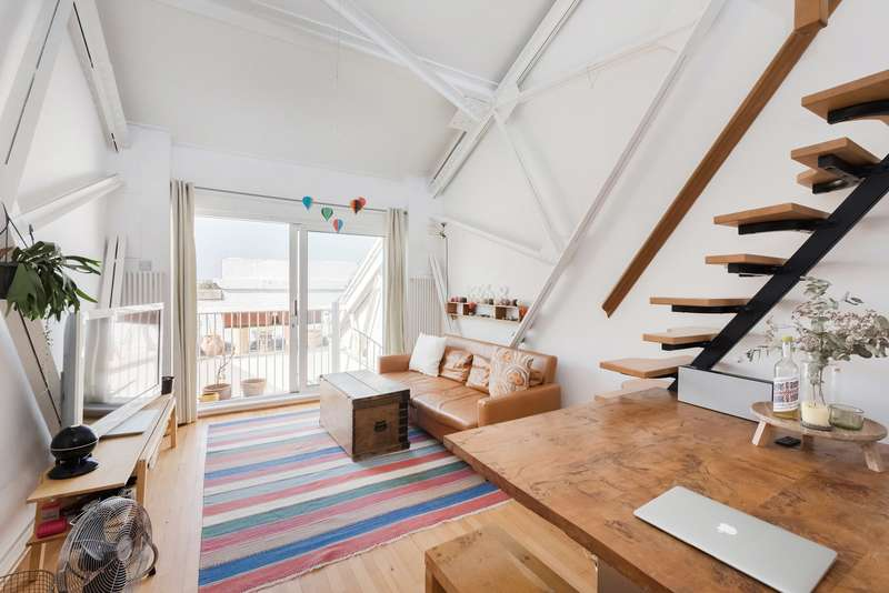 2 Bedrooms Flat for sale in The Power House, 70 Chiswick High Road, London, W4