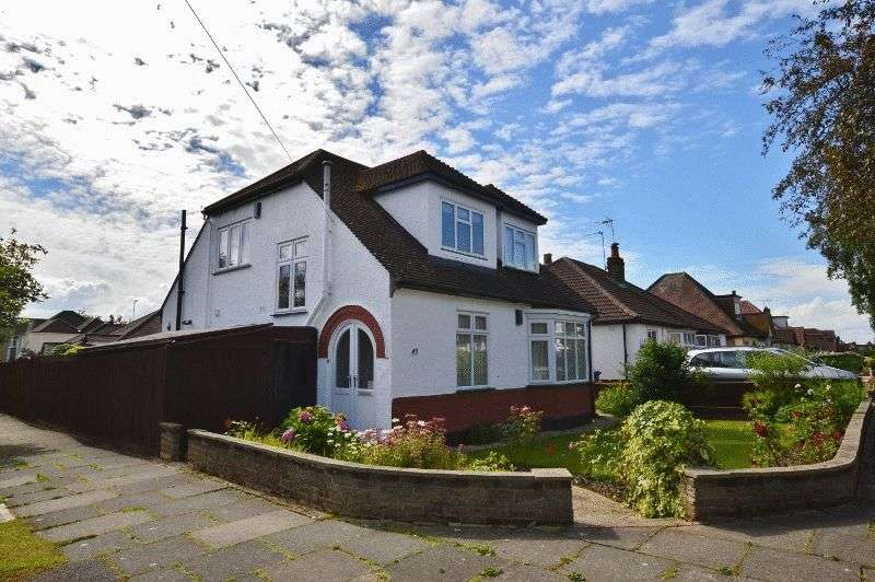 3 Bedrooms Detached House for sale in Derwent Avenue, Hatch End