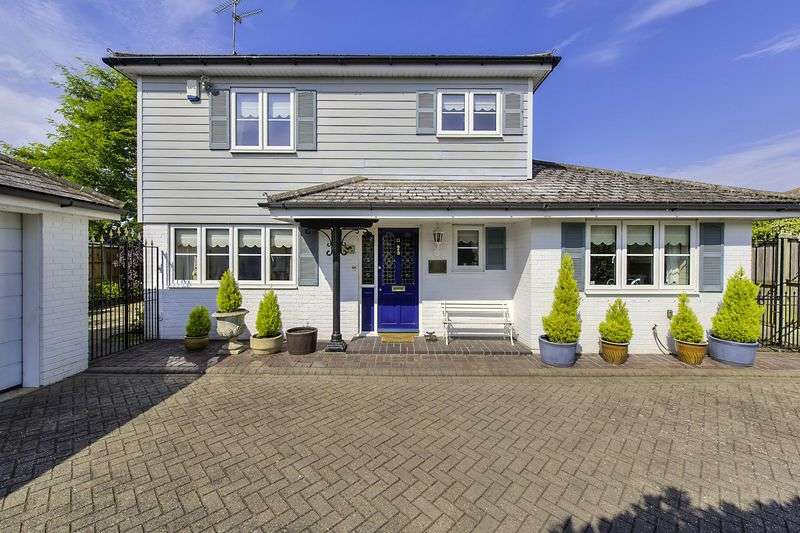 3 Bedrooms Detached House for sale in Swan Lane, Stock Village