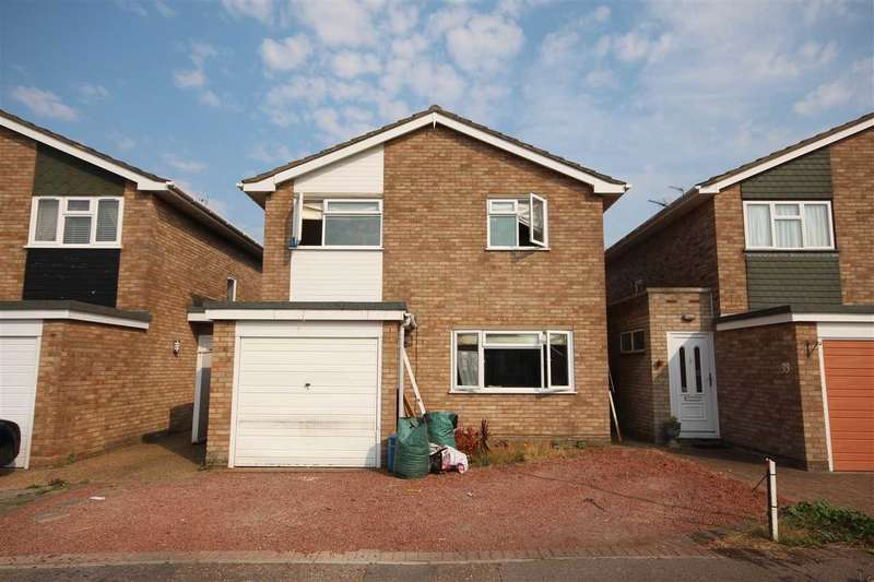 4 Bedrooms Detached House for sale in Pembroke Gardens, Holland-On-Sea