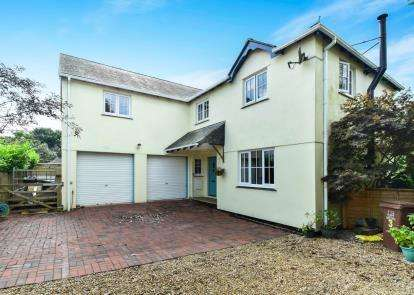 5 Bedrooms Detached House for sale in Kingston, Kingsbridge, Devon