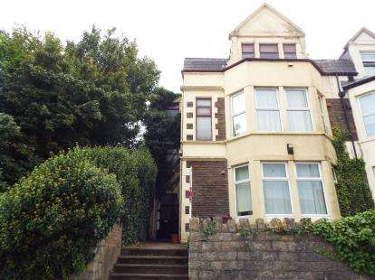 2 Bedrooms Flat for sale in Osbourn Court, 306 Newport Road, Roath, Cardiff
