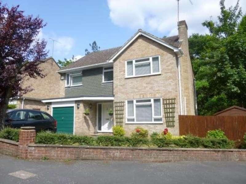 4 Bedrooms Detached House for rent in Highbury Crescent, Camberley
