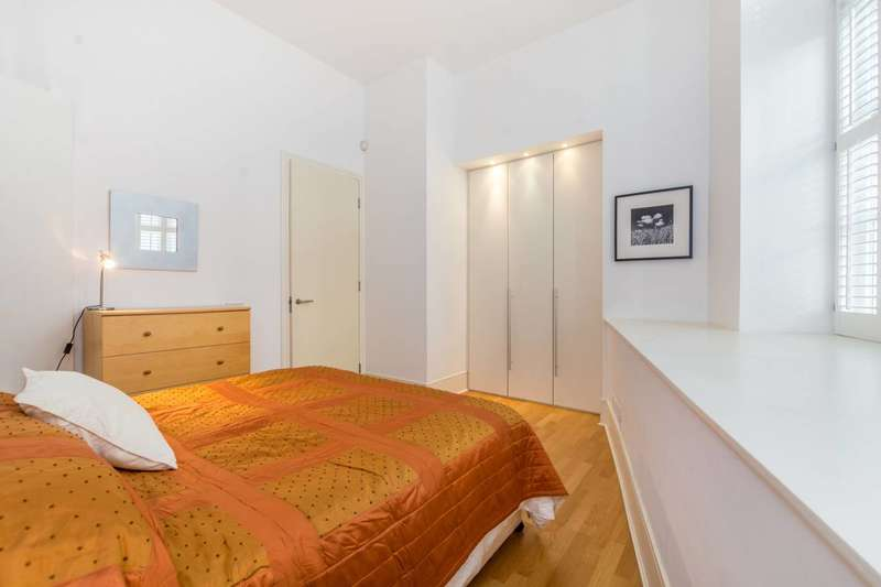 2 Bedrooms Flat for sale in Wild Street, Covent Garden, WC2B