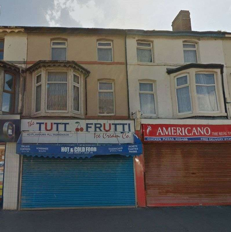 3 Bedrooms Flat for sale in Bond Street, Blackpool