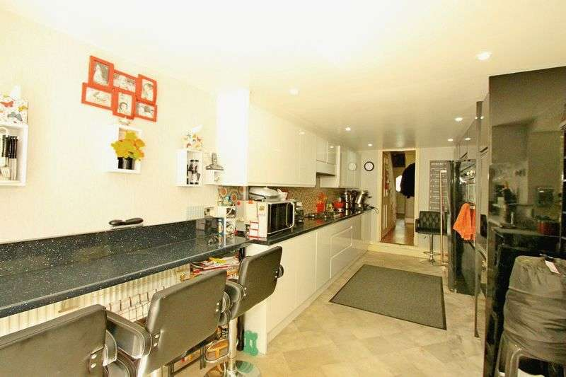3 Bedrooms Terraced House for sale in Charnock Road, E5