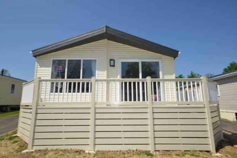 2 Bedrooms Lodge Character Property for sale in Coghurst Hall Holiday Park, Ivyhouse Lane, Hastings