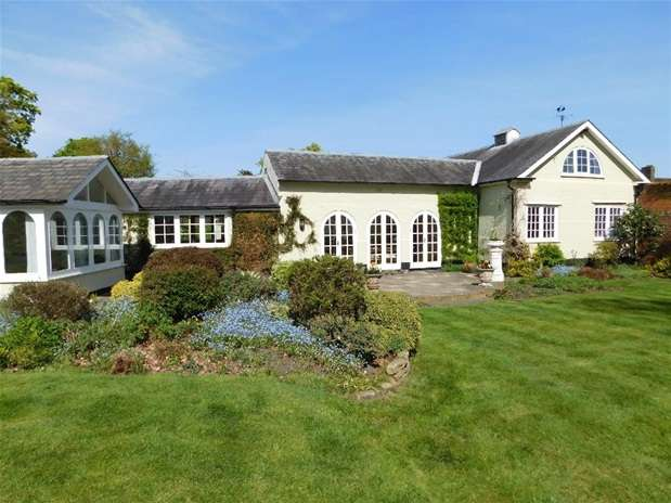 3 Bedrooms Detached House for sale in Ashcombe Avenue, Surbiton