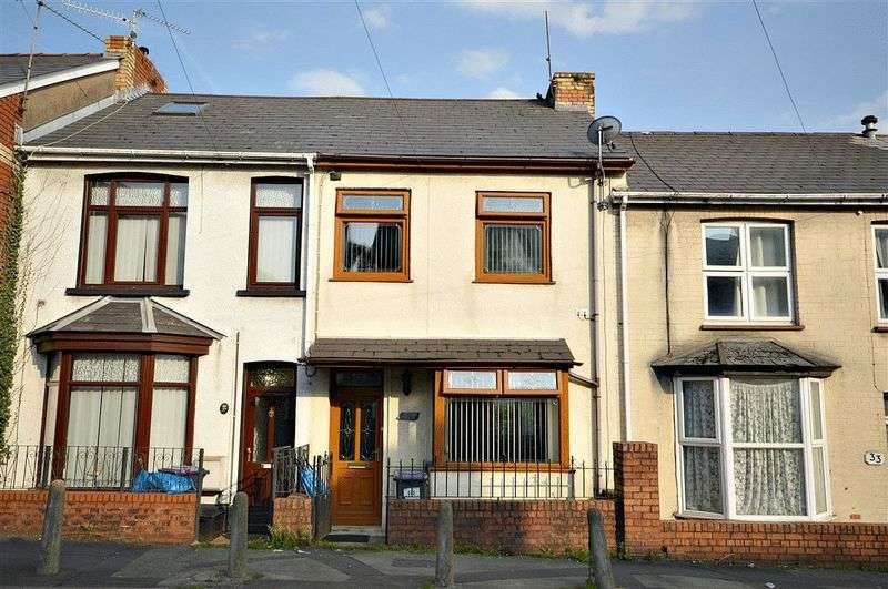2 Bedrooms Terraced House for sale in Richmond Road, Cwmbran