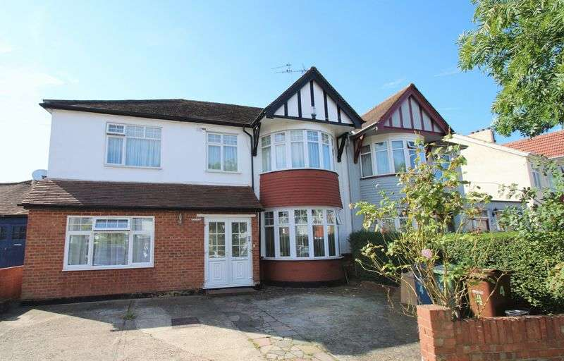 5 Bedrooms Semi Detached House for sale in Cumberland Road, North Harrow