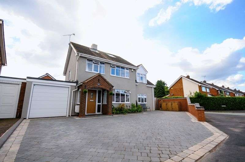 4 Bedrooms Detached House for sale in Uttoxeter Road, Hill Ridware