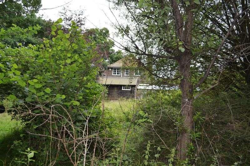 3 Bedrooms Detached House for sale in Sharpthorne Road, Sharpthorne