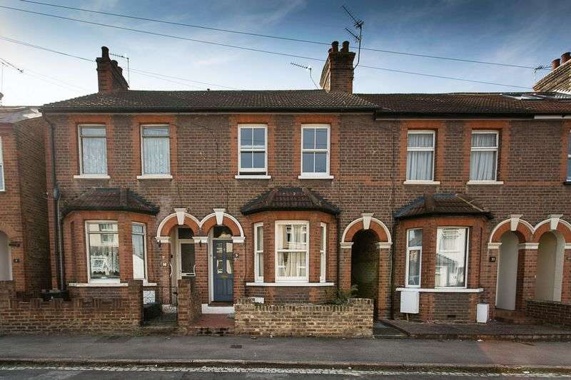 3 Bedrooms Terraced House for sale in Royston Road, St. Albans