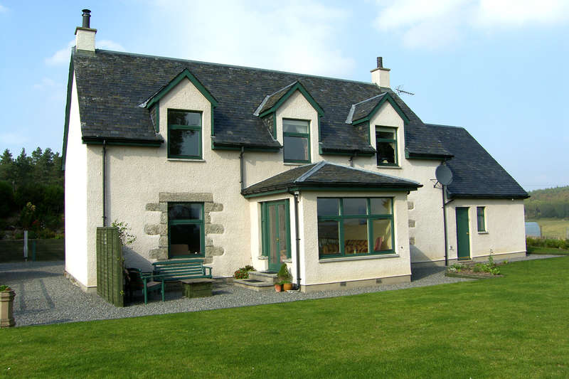 5 Bedrooms Detached House for sale in Grantown-on-Spey, PH26 3PT