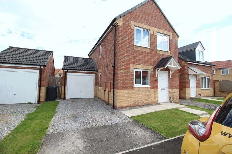 3 Bedrooms Semi Detached House for sale in Montrose Crescent, Hebburn