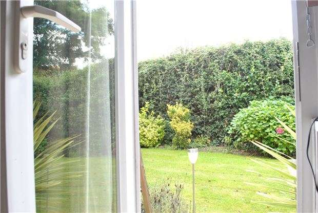 2 Bedrooms Flat for sale in Park Road, Southborough, TN4 0NT