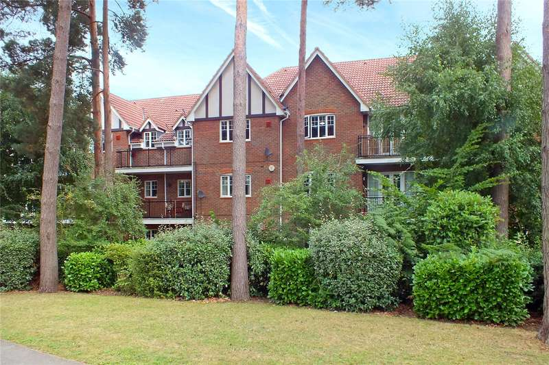 2 Bedrooms Flat for sale in Rotherwick House, Ramsdell Road, Fleet, Hampshire, GU51