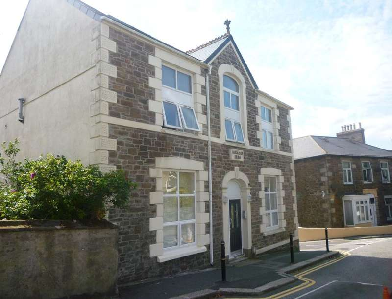 1 Bedroom Flat for sale in Green Lane, Redruth, TR15